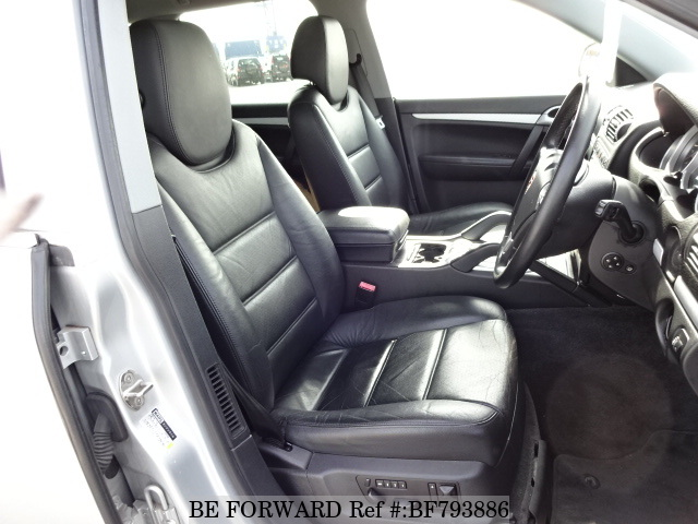 The interior of a used 2004 Porsche Cayenne from online used car exporter BE FORWARD.