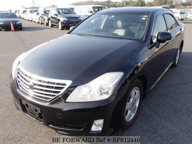 A used 2008 Toyota Crown from online used car exporter BE FORWARD.
