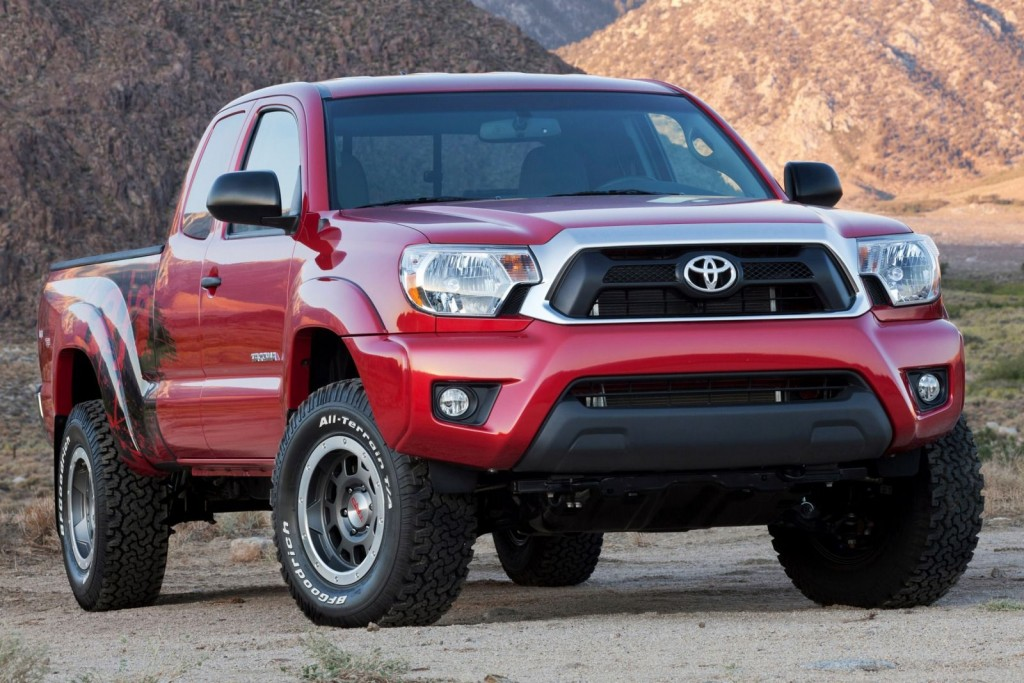 2015_Toyota_Tacoma_4dr_Access_Cab_61_ft_SB_27L_4cyl_5M_3924105