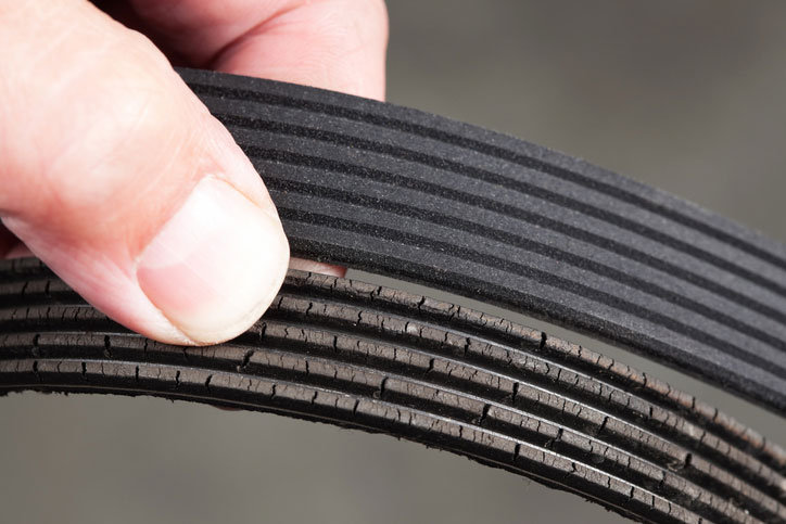 Examples of new and damaged engine belts from online used car dealer BE FORWARD.