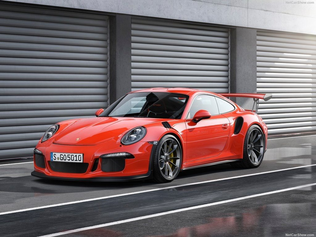 The Porsche 911 GT3 RS is, in our well regarded opinion(well, we regard  it), the apex of a tremendous 911 lineup. At least it is now that the 918  Spyder has ...