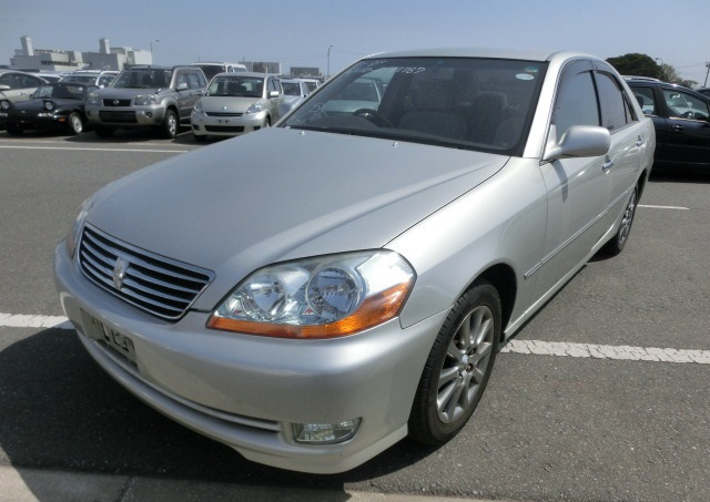 A used Toyota Mark II from online Japanese used car dealer BE FORWARD.