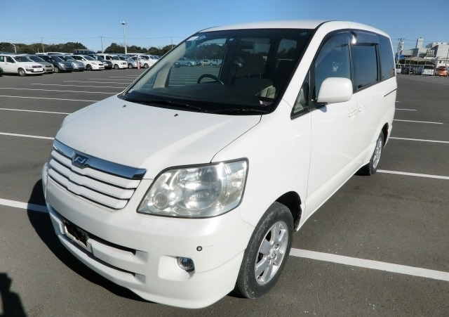 A used Toyota Noah MPV from online used car dealer BE FORWARD.