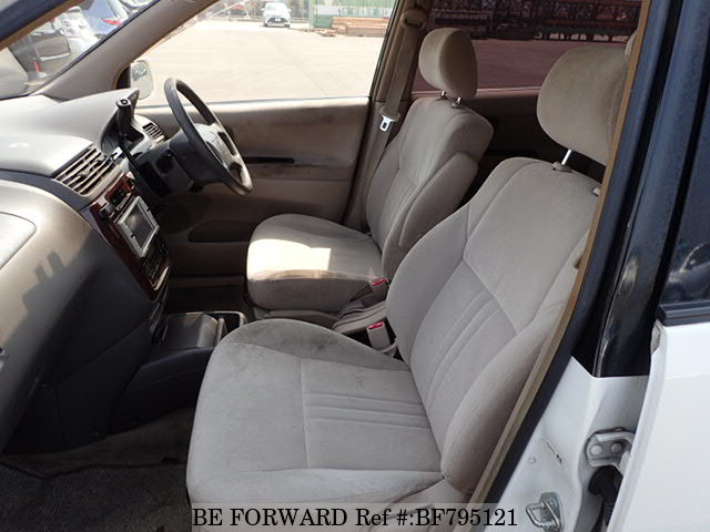 The interior of a used 1999 Toyota Gaia from online used car exporter BE FORWARD.