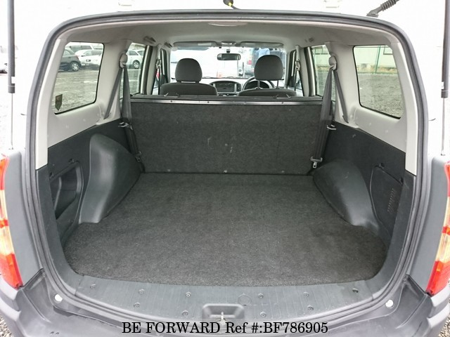 The interior of a used 2009 Toyota Succeed from online used car exporter BE FORWARD.