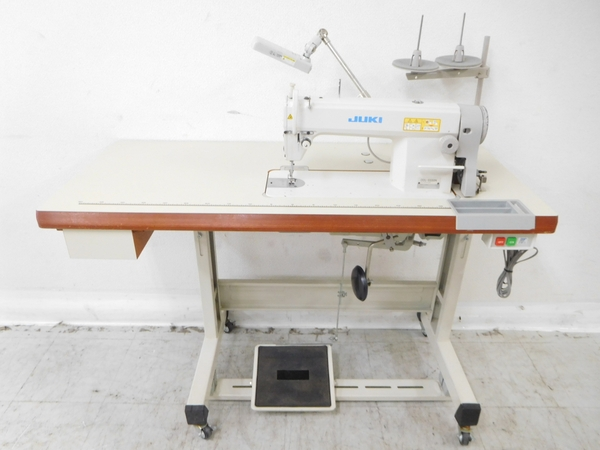 JUKI DDL-5550N Sewing Machines & Sergers M2168307