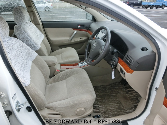 Interior of a used 2006 Toyota Premio from online used car exporter BE FORWARD.
