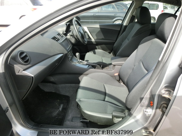 The interior of a used 2010 Mazda Axela from online used car exporter BE FORWARD.
