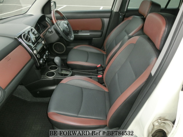 The interior of a used 2007 Mazda Verisa from online used car exporter BE FORWARD.