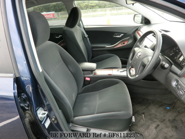 The interior of a used 2009 Toyota Allion from online Japanese used car exporter BE FORWARD.