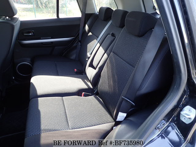 The interior of a used 2005 Suzuki Escudo from used car dealer BE FORWARD.
