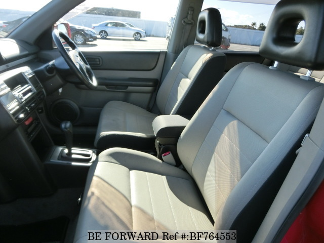The interior of a used 2003 Nissan X-Trail from online Japanese car exporter BE FORWARD.