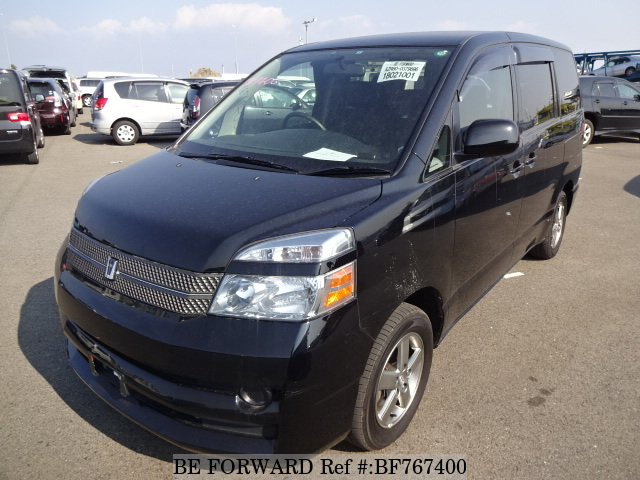 Used 2005 Toyota Voxy from BE FORWARD.