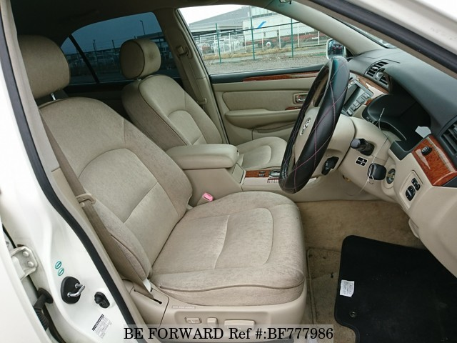The interior of a used 2004 Toyota Brevis from online used car exporter BE FORWARD.