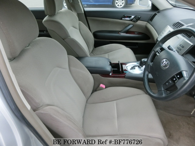 The interior of a used 2006 Toyota Mark X