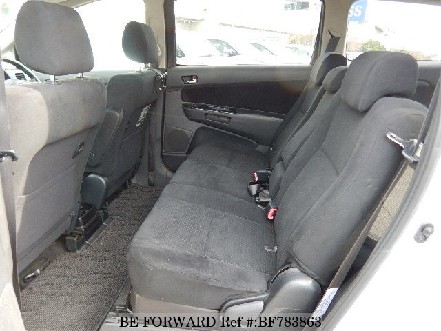 The interior of a used 2007 Toyota Wish from online used car exporter BE FORWARD.