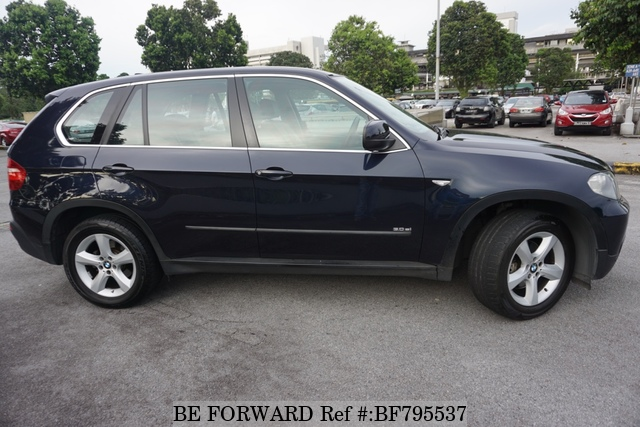 The side view of a used 2008 BMW X5 from online Japanese used cars exporter BE FORWARD.