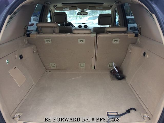 The boot of a used 2009 Mercedes-Benz ML Class from online used Japanese cars exporter BE FORWARD.