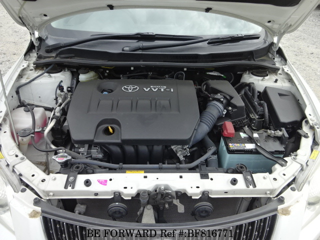 The engine of a used 2007 Toyota Corolla Axio from online used car exporter BE FORWARD.