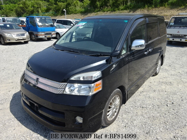 A used 2007 Toyota Voxy from online used car exporter BE FORWARD.