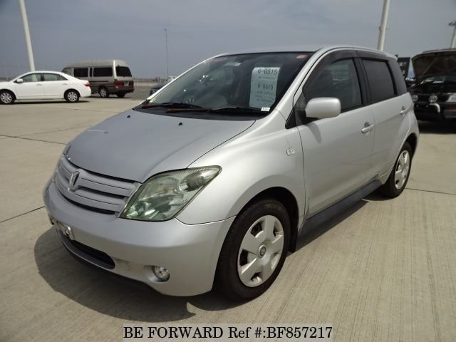 A used 2004 Toyota ist from online used car exporter BE FORWARD.