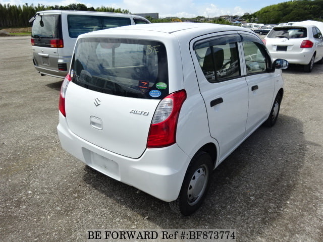 The rear of a used 2013 Suzuki Alto from online used car exporter BE FORWARD.