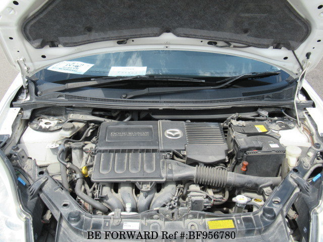 The engine of a used 2006 Mazda Verisa from online used car exporter BE FORWARD.