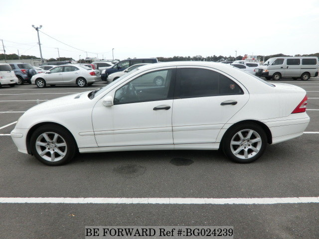The side of a used 2005 Mercedes-Benz C-Class from online used car exporter BE FORWARD.
