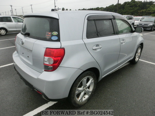 toyota ist rear view first generation from be forward