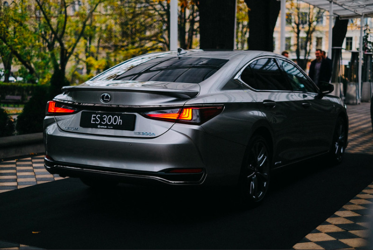 The New Lexus ES: Designed With Class