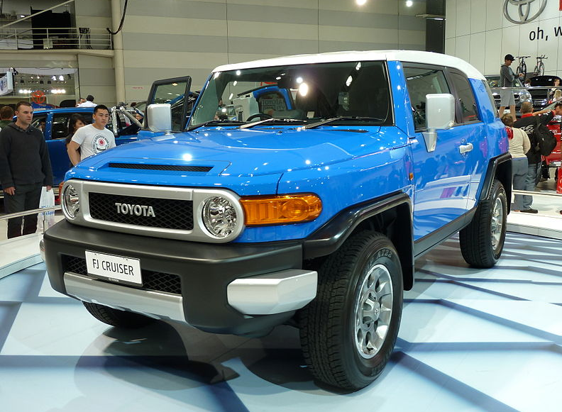 Toyota FJ Cruiser – The King For All-weather Roads